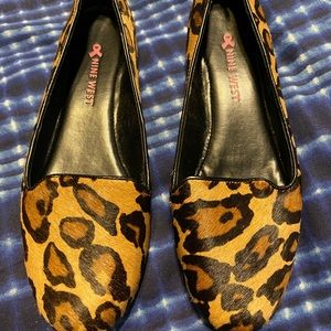Nine west leopard flats size 6 1/2